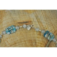 Light blue shell and quartz necklace and braclet set